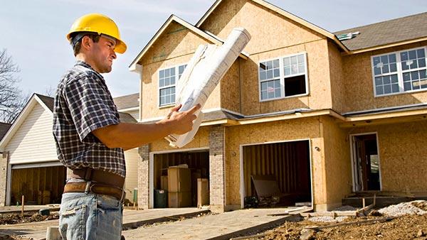 Стоит ли привлекать профессионалов к строительству дома
