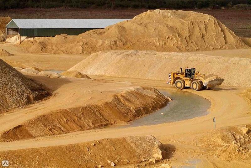 Речной и карьерный строительный песок